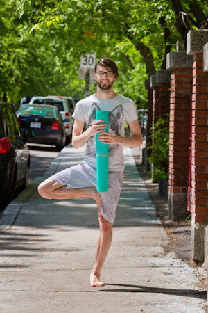 Yogalavie - Guillaume - Debout 320x480